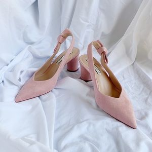 Zara NEW pink suede slingback with round heels.